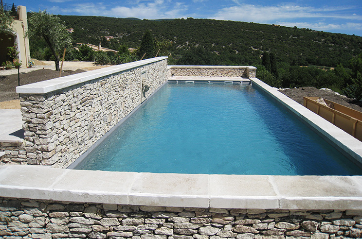 Batik construction neuve r novation luberon for Construction piscine 84