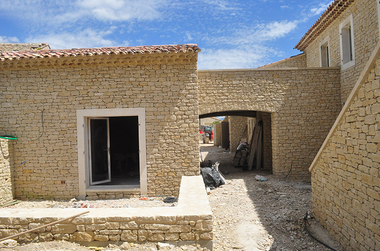 Batik construction neuve r novation luberon for At home architecture 84220 gordes